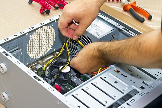 Illustration prestation informatique - SOS informatique 06 - dépannage, réparation et optimisation informatique à domicile ou dans notre atelier dans les Alpes-Maritimes